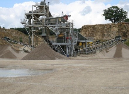 New wash plant at Lightwater Quarries delivers increased production with ease.